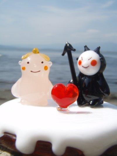 画像1: 天使ちゃんと悪魔くんのカップル 結婚祝い ガラス細工 雑貨 置物