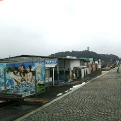 【湘南・江の島から】海の家も完成間近です♪