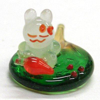 画像1: うちわうさぎ 正面向 干支 ガラス細工 雑貨 置物