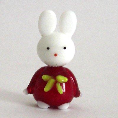 画像1: 卯うさぎのガラス細工 うさぎ人形 M レッド 干支 ガラス細工 雑貨 置物