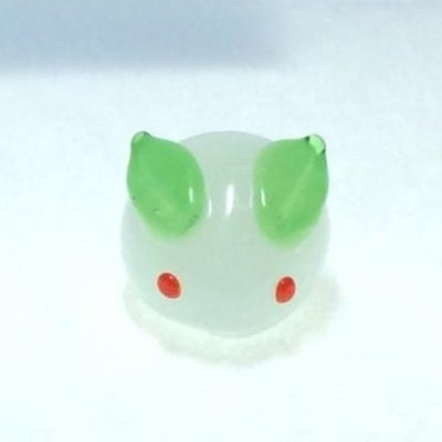 画像2: 新・雪ウサギ(ミルクに笹耳) 干支 ガラス細工 雑貨 置物